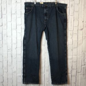 NWT Wrangler Relaxed Straight Jeans 46 x 32